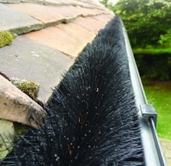 Hedgehog Gutter Brushes - Keeps Gutters Clear All Year